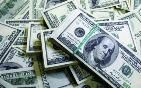 пачки долларов сбербанка