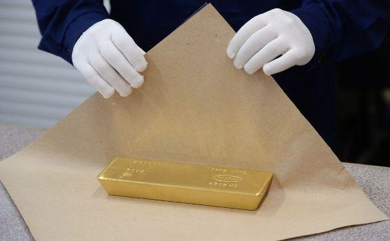 как упаковывают золотые слитки в сбербанке