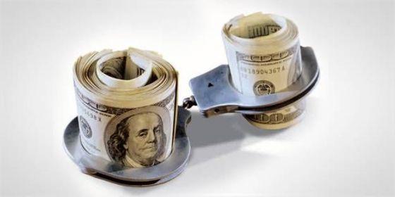 доллары под стражей
