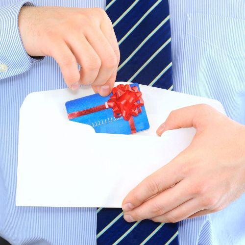 кредитная карта сбербанка в подарок в конверте